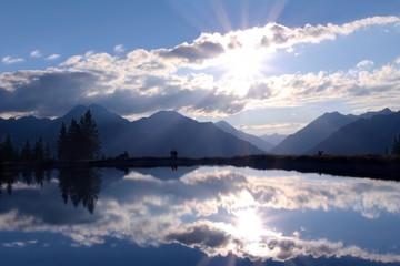 Almsee in den Alpen - Mountain Lake in the Alps