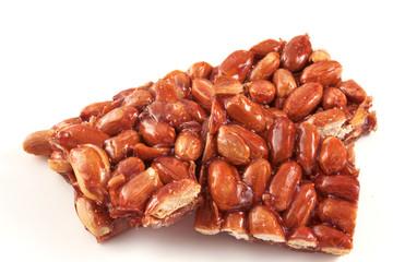 Croccante di caramello e noccioline