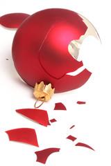 boule de Noël cassée
