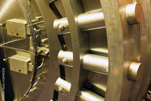 Zdjęcia na płótnie, fototapety, obrazy : Door in bank safe deposit room