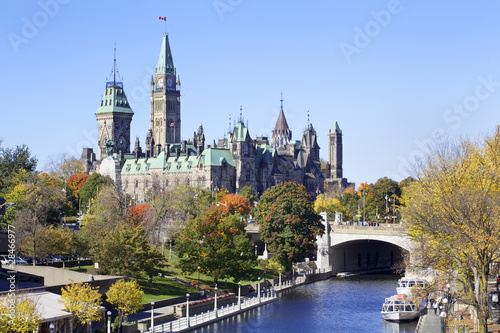 Fotobehang Canada The Parliament of Canada and Rideau Canal, Ottawa