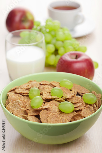 cornflakes with grapes