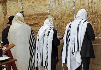 Gerusalemme - Preghiera davanti al muro del pianto