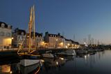 Nocturne sur le port de Vannes poster
