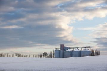 silo agricole grain céréale campagne récolte neige