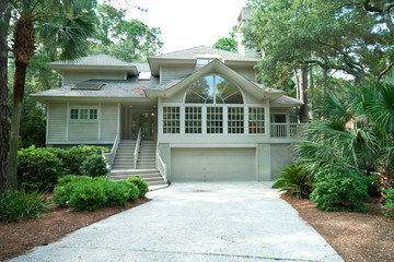 Modern Upscale Single Family House in Hilton Head, South Carolin