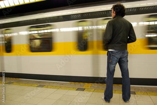 metropolitana - 28668373