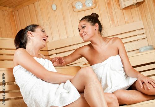 gossip in sauna - 28668979