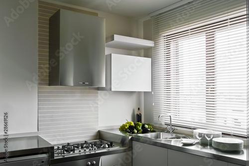 Cucina moderna con stoviglie di adpephoto foto stock for Abbonamento a cucina moderna