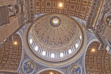 Saint Peter's Basilica - Interior