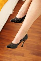 beine in schwarzen pumps high heels