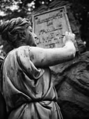 Friedhofstatue