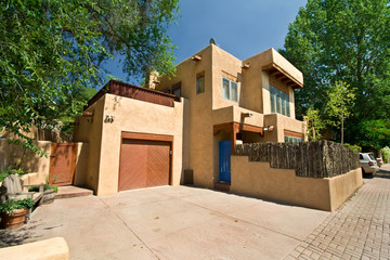 Modern Adobe Single Family Home in Santa Fe, New Mexico