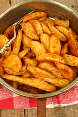 Pfanne mit Kartoffeln