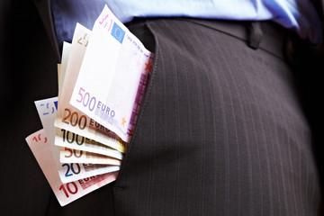 Hosentasche voller Geld