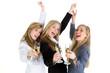 drei frauen beim feiern