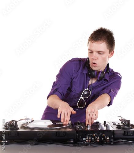 DJ am Turntable - 28830398