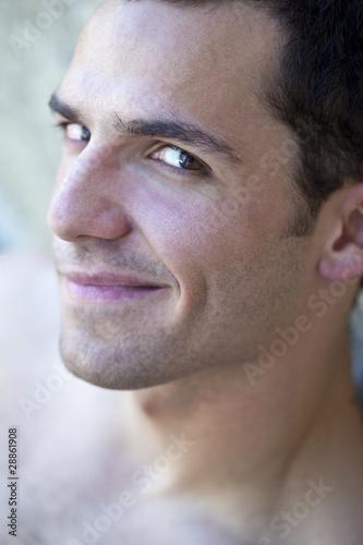 Beau jeune homme garçon viril mâle européen modèle sourire