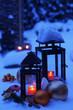 Laternen im Schnee