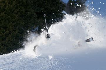 spektakulär stürzen beim skifahren