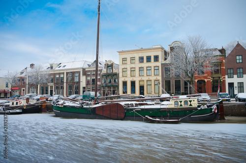 Leinwanddruck Bild boats in canal