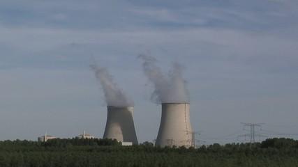 Centrale nucléaire en forêt