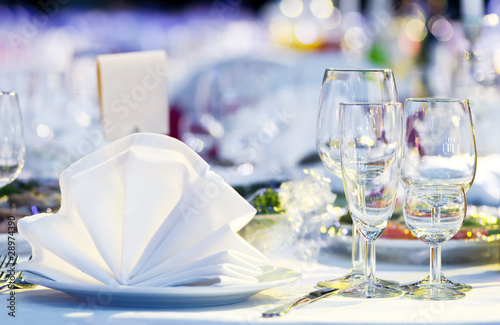 close-up catering table set - 28974390