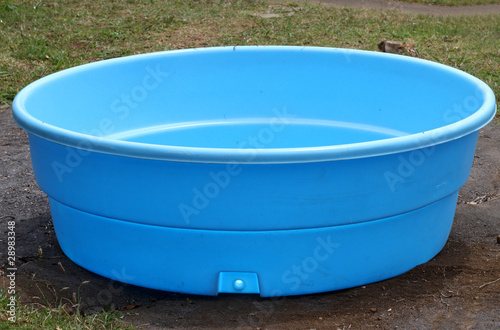 petite piscine en plastique by unclesam royalty free stock photos 28983348 on
