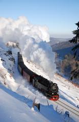 Harzquerbahn in Winterlandschaft