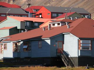 longyearbyen_coloured_houses
