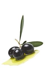 Olivas con aceite de oliva.