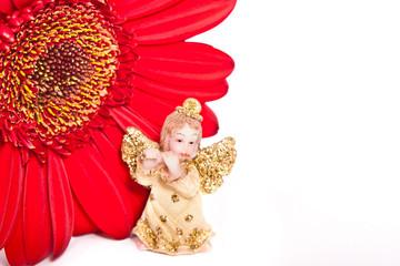 ангел и красный цветок на белом фоне