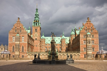 Front view of Frederiksborg castl