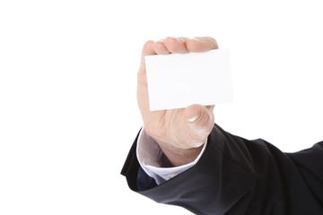 Männliche Hand zeigt Visitenkarte.