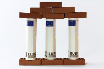 backsteine mit euroschein