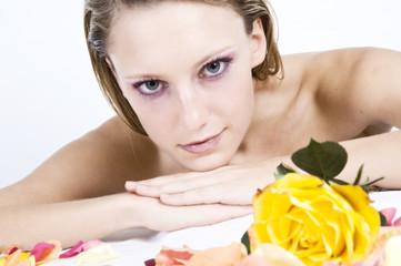 Frau entspannt sich..........Kosmetik