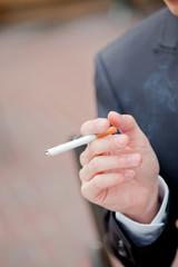 煙草 タバコ 禁煙 男性 メンズ ビジネスマン