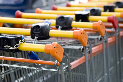 Chariots au Supermarché Consommation