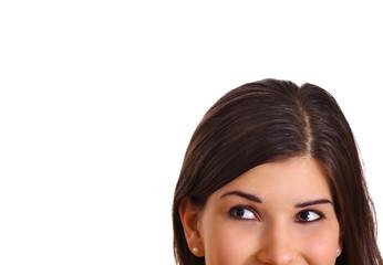 Mädchenkopf schaut nach schräg oben