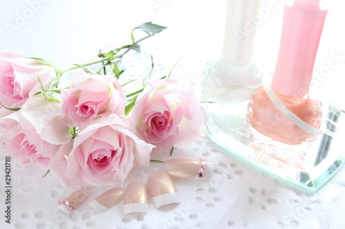 Pink roses and Manicure set