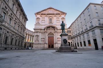 Piazza San Fedele nel centro di Milano - Palazzo Marino