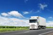 Fototapeten,weiß,trucks,highway,straßen
