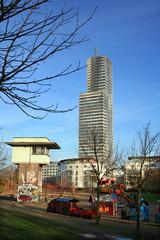 altes Stellwerk und Kölnturm im Mediapark