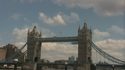 London Bridge - Loop - Wolken Zeitraffer ( Time-Lapse)
