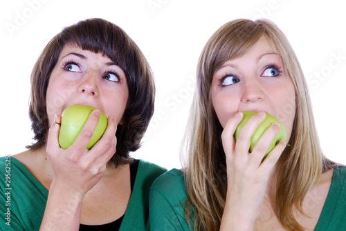 Äpfel essen