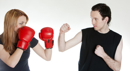 couple with boxing gloves