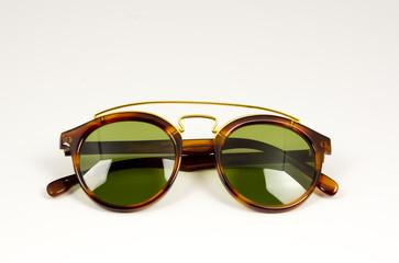 Gafas de sol plegadas