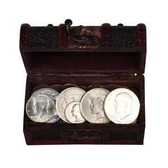 Сундук с серебряными монетами - долларами