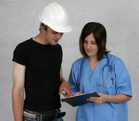 Nurse talking with a contractor