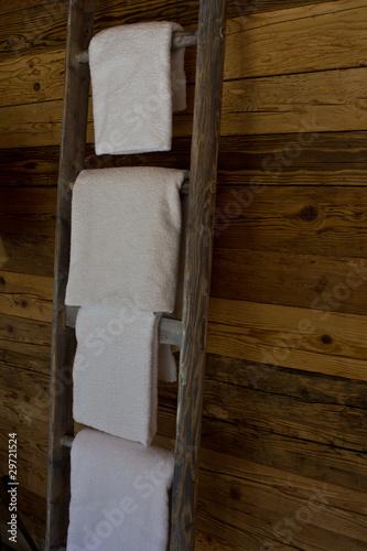 handt cher auf einer leiter stockfotos und lizenzfreie bilder auf bild 29721524. Black Bedroom Furniture Sets. Home Design Ideas